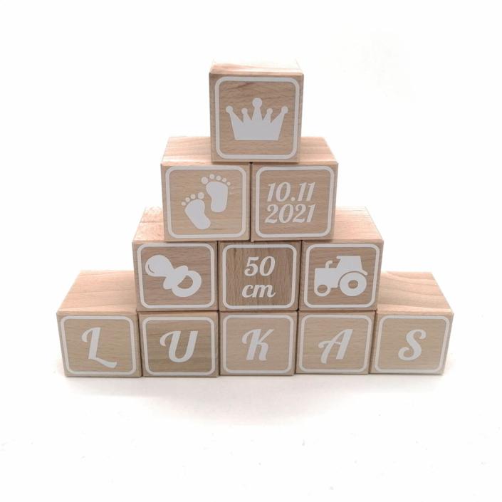 Babygeschenke personalisiert - Buchstabenwürfel Holz Baby