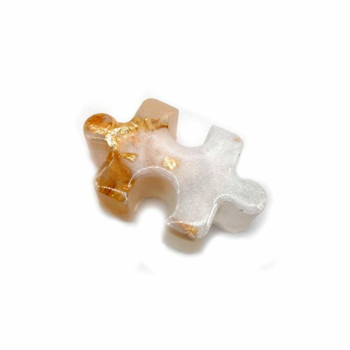 Epoxidharz Deko - Resin Puzzleteile in gold und weiß