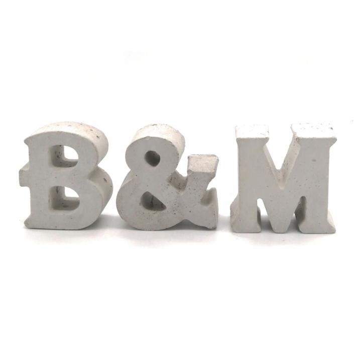 Hochzeitsgeschenk Ideen ausgefallen - Beton Initialen mit Datum